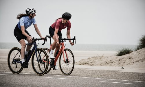 There are many benefits of cycling to lose weight, which not only develops the brain but also fitness